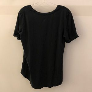 lululemon athletica Tops - Lululemon black stripe SS top, sz 8, 68453